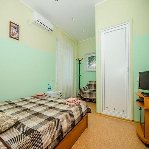 2-х местный номер с отдельным входом в корпусе RED гостевой дом Инжир